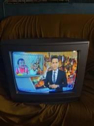 Vendo essa TV 20 polegadas fucionando