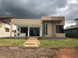 Casa com 4 suítes, Condomínio com piscina aquecida, lago, campo de golf Ref.MA09