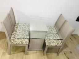 Mesa quatro cadeiras