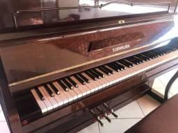 BELÍSSIMO PIANO ESSENFELDER