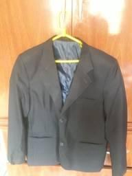 Blazer tamanho 50 preto leve azulado