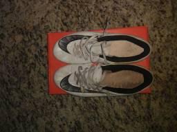 Chuteira Nike Mercurial Em boas condições usada poucas vezes