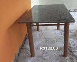 Mesa tampo de granito
