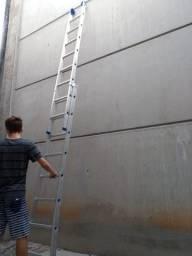 Escada de alumínio Quase nova!!!!