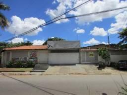 Comercial casa com 5 quartos - Bairro Jardim da Luz em Goiânia