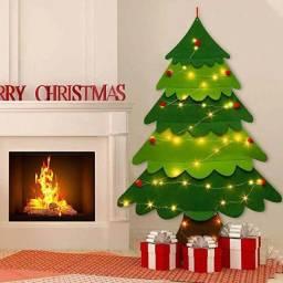 (Lacrada) Arvore de Natal toda em feltro com 33 peças de enfeite e fita LED