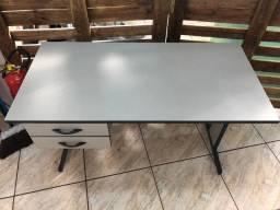 Mesa e banco