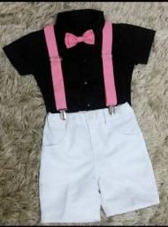 Camisa com suspensório+Gravata