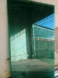 Porta de vidro de cor verde