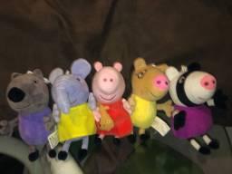 5 Pelucias ( Danny, Emily, Peppa Pig, Pedro e Zoe)