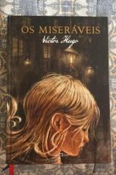 Vendo livro Os Miseráveis de Victor Hugo