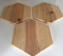 Tábua hexágono em madeira pinus