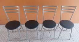 4 cadeiras em ótimo estado 180,00