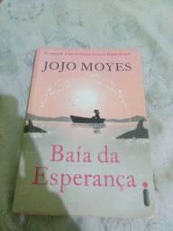 """Livro """"Baía da Esperança"""" usado em bom estado."""