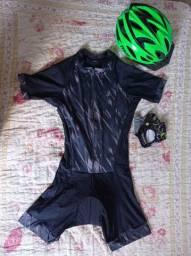 Roupa Ciclismo, Capacete rava e luvas meio dedo