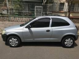 Chevrolet Celta 2011 c/ ar-condicionado e pneus novos