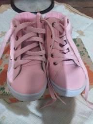 Sandália para menina bem conservado