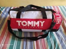 Bolsa Grande da Tommy por 40 Reais