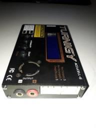 Carregador de bateria e calibrador para Aeromodelo