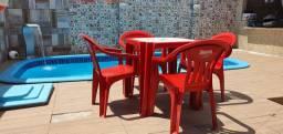 Conjunto de Mesa e cadeiras em plástico