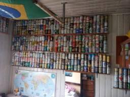 Coleção de latas de cerveja