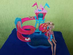 Piscina da Barbie e Barbie