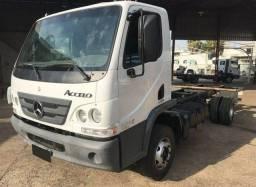 Caminhão Accelo Mercedes Benz Ano 2014