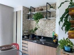 Apartamento com varanda Mobiliado 2/4 sendo um suíte com ar-condicionado