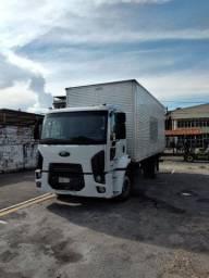 Caminhão Ford Cargo 1319 ano 2013