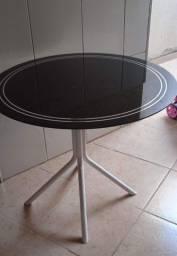 Mesa sem cadeira. 4 lugares 80 cm