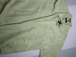 Título do anúncio: Camisa social manga curta micro fibra tamanho G verde