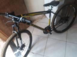 Vendo bicicleta track Aro 29 1.000 reais documentada.uma semana de uso!