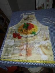 Belo avental de cozinha italiano