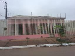 Aluga-se ótima casa no Marajoara R$1.200