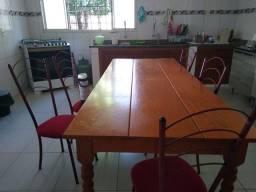Mesa com 5 cadeira