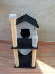 Casa  de Gato com arranhador e rede