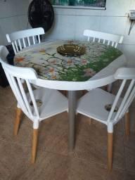 Título do anúncio: Vende-se mesas com cadeiras, fogão, estufa para salgados e cuba self service e secadora.