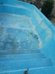 Serviço  em piscina de fibra