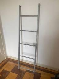 Escada de metal Tok Stok