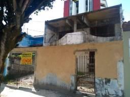 Casa na Praça Misael Tavares - Cidade Nova