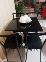 Mesa de granito com 4 cadeiras