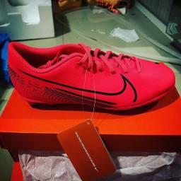 Chuteira Nike Mercurial Vapor 13 Club