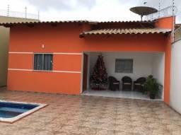 Aluguel de casa com 03 quartos e piscina