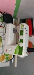 Maquina de costura semi nova