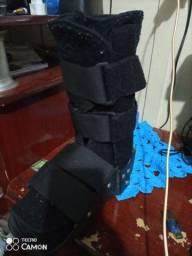 Bota ortopédica. Semi nova