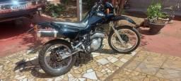 Yamaha XT 600 ano 2002