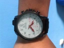 4a3c489e1f3 Relógio masculino armani branco e preto