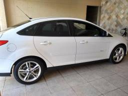 Ford Focus Sedan 2.0 16V Flex 2015/2015 Abaixo da Tabela - 2015