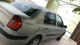 Clio sedan R$7. 500, 00 - 2004