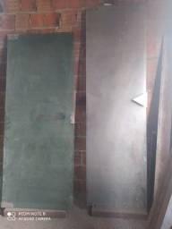 Quatro portas de vidro